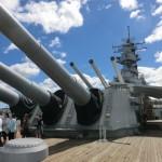 戦艦ミズーリの前甲板から見た姿。巨大な40センチ砲ですが、大和は更に巨大だったのか、と思うと、想像も出来ません。