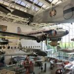 スミソニアン航空宇宙博物館。館内には、航空史上有名な機体が展示されていますが、ほとんどが実物!館の大きさに圧倒されます。